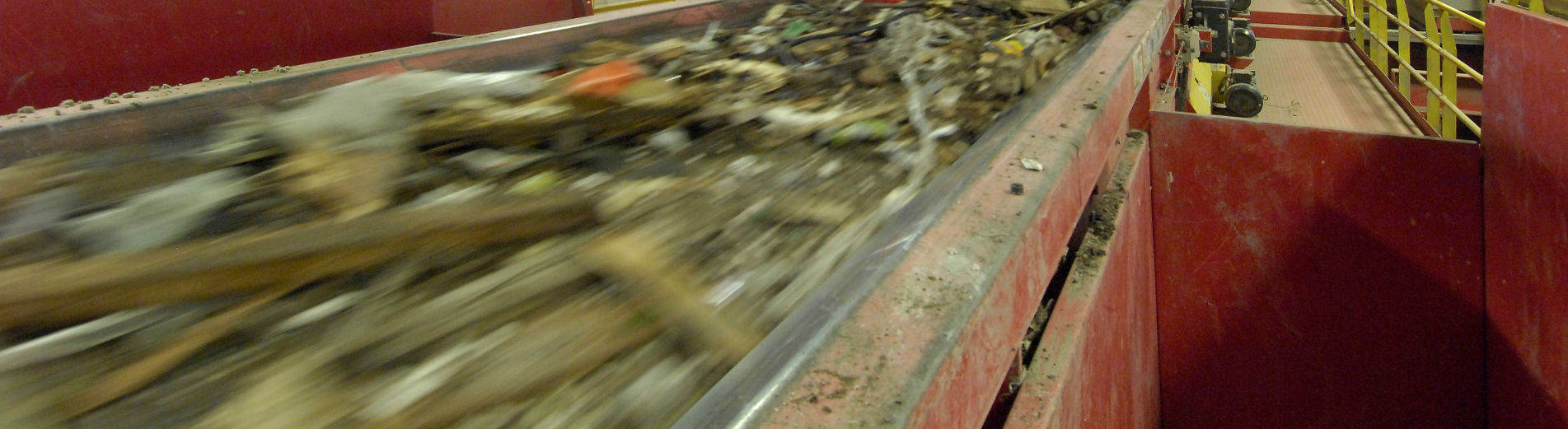 CD recycling system dust suppression