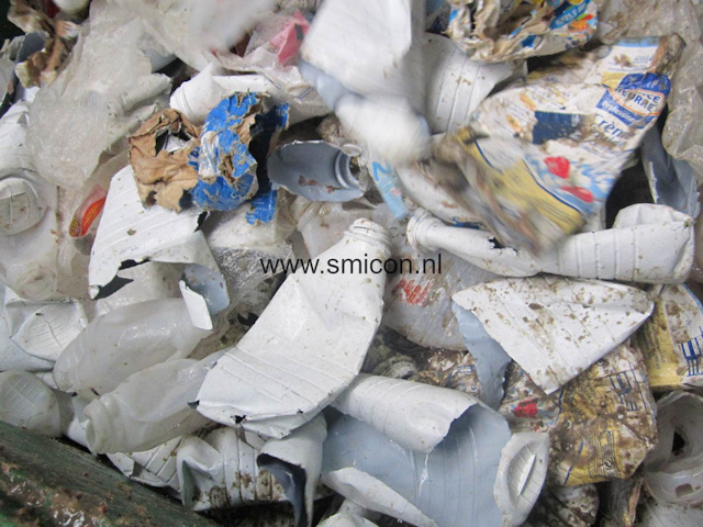 food waste recycling empty plastic drink bottles